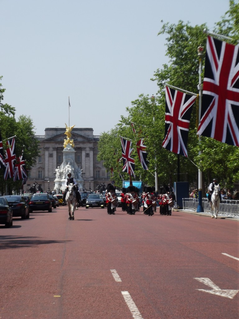 Buckingham Palace, Changing of the Guard, The Mall