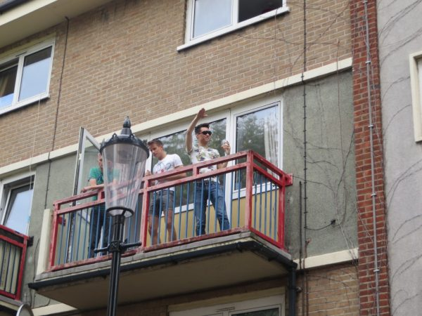 Notting Hill Carnival 2014, revellers on a balcony