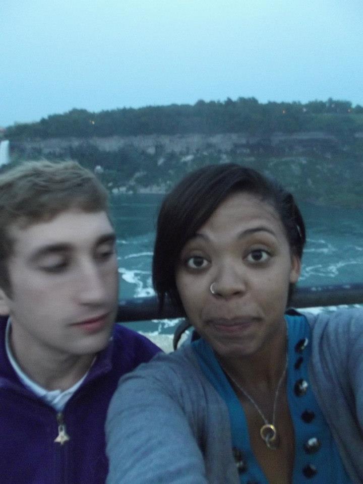 tom and alyssa, couple at niagara falls