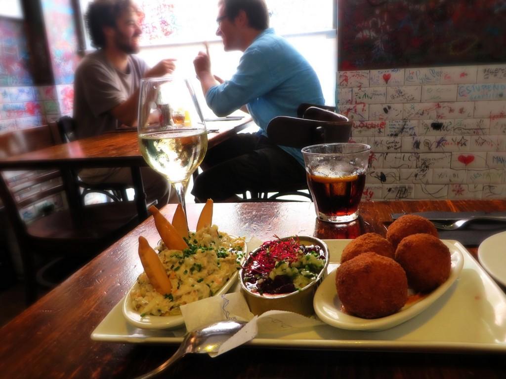 tapas at la pepita, la pepita barcelona, tapas in barcelona, best tapas restaurants in barcelona