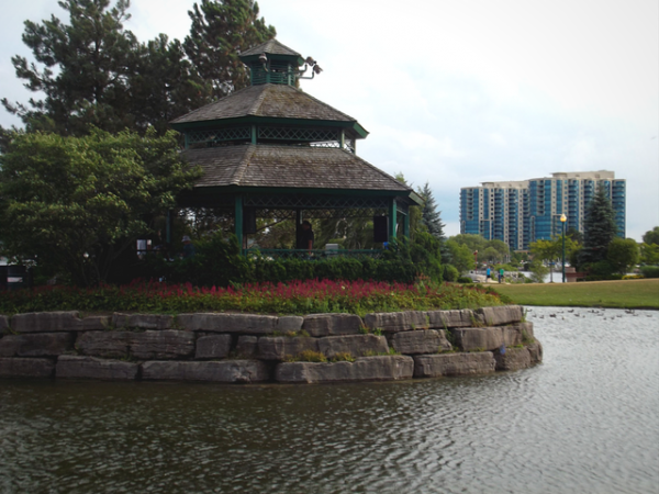 waterfront gazebo, barrie, day trips from toronto